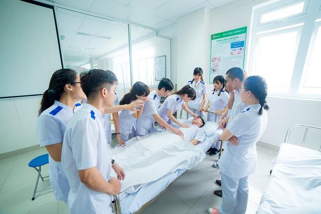 Hé lộ ngành điều dưỡng cần học những gì? Học bao nhiêu năm?