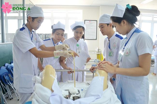 Ngành điều dưỡng - Ngành học có cơ hội việc làm cao