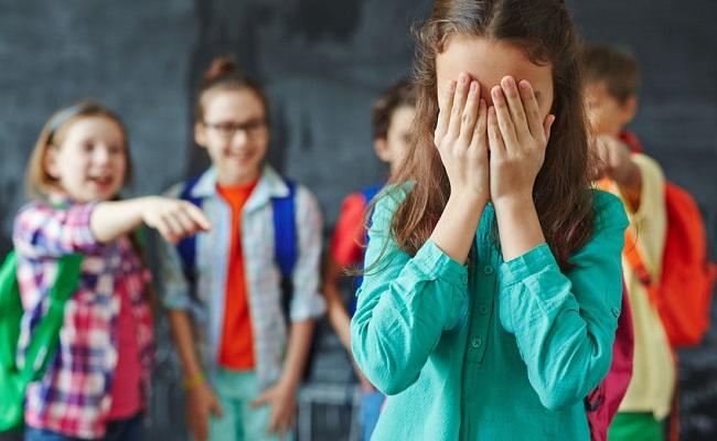 tinh huong su pham thuong gap o hoc sinh tieu hoc - Tình huống học sinh bị trêu chọc