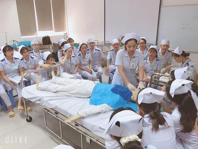 Xuất khẩu lao động ngành điều dưỡng