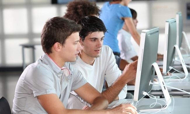 Cơ hội việc làm ngành công nghệ thông tin có tốt không?