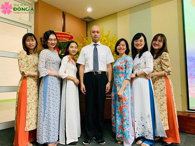 Đội ngũ giảng viên ngành ngôn ngữ Nhật CLC được đảm bảo có năng lực và trình độ chuyên môn