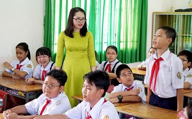 Làm giáo viên dạy tiểu học