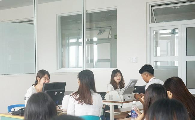 Học phí ngành Quản trị văn phòng trường Đông Á