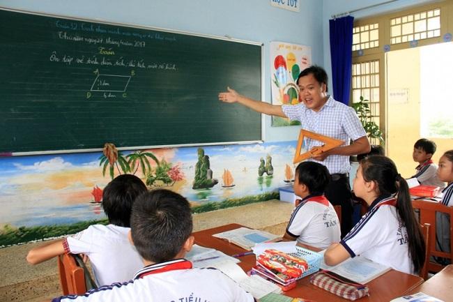 """áp lực mang tên """"giáo án"""" là khó khăn của giáo viên tiểu học"""