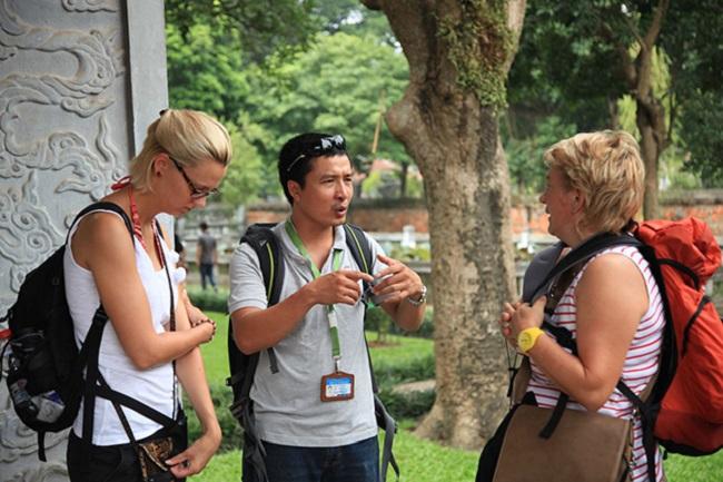 Kỹ năng giao tiếp là một yếu tố vô cùng quan trọng đối với ngành quản trị dịch vụ du lịch và lữ hành