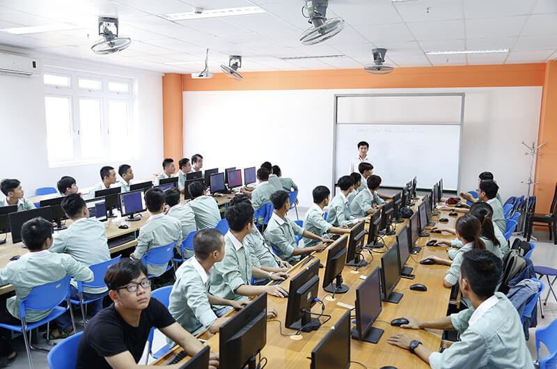 Môi trường học tập ngành CNTT 02