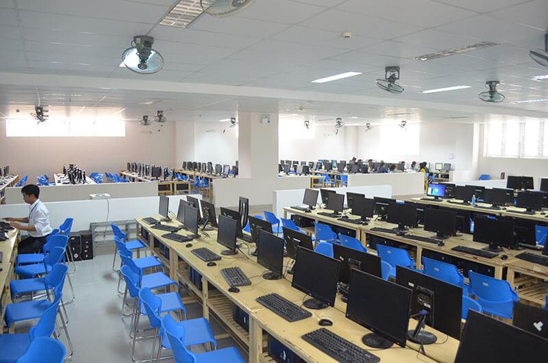 Môi trường học tập ngành CNTT 07