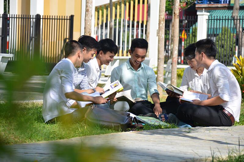 Môi trường học tập ngành CNTT 09