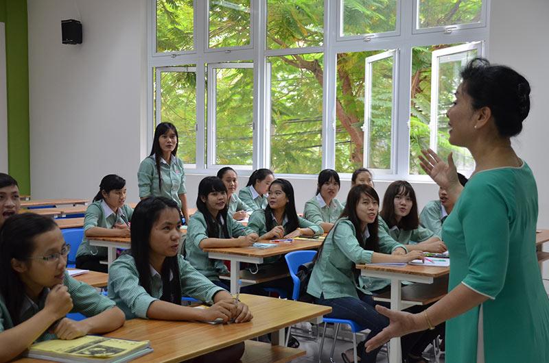 Môi trường học tập ngành ngôn ngữ Anh 03