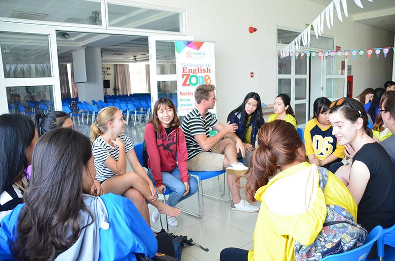 Môi trường học tập ngành ngôn ngữ Anh 07