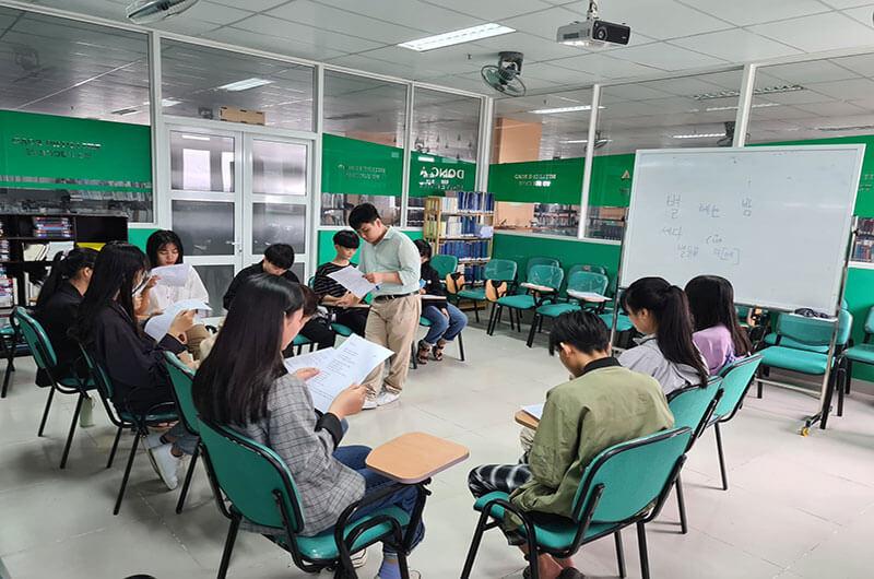 Môi trường học tập ngôn ngữ Hàn 08