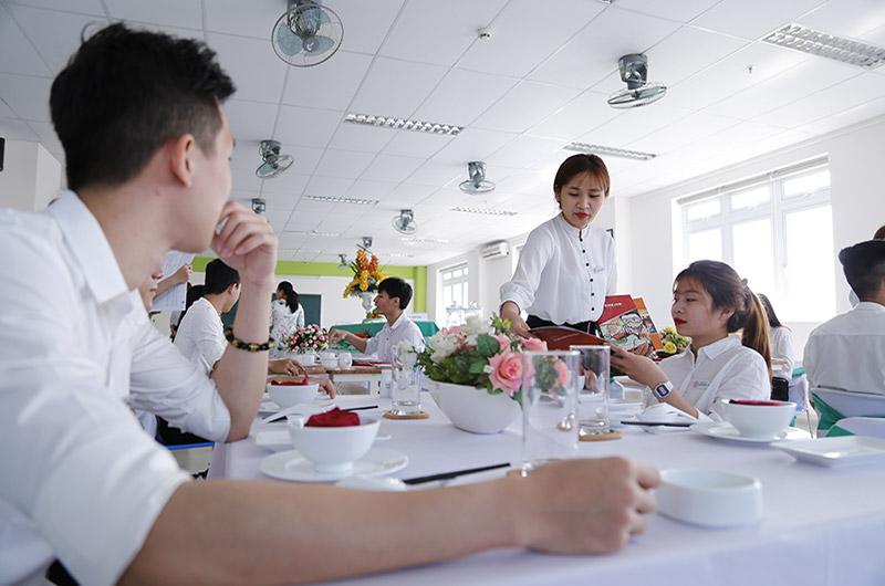 Môi trường học tập Quản trị nhà hàng và dv ăn uống 01