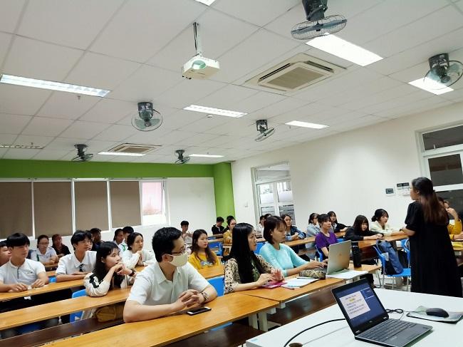 Học marketing tại Đại Học Đông Á