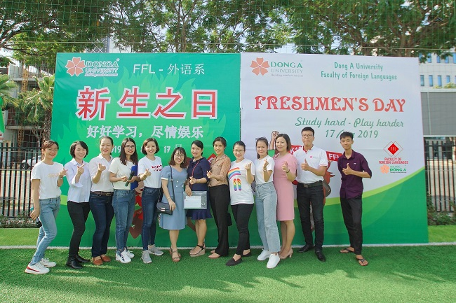 Team building sinh viên khoa ngoại ngữ Đại Học Đông Á