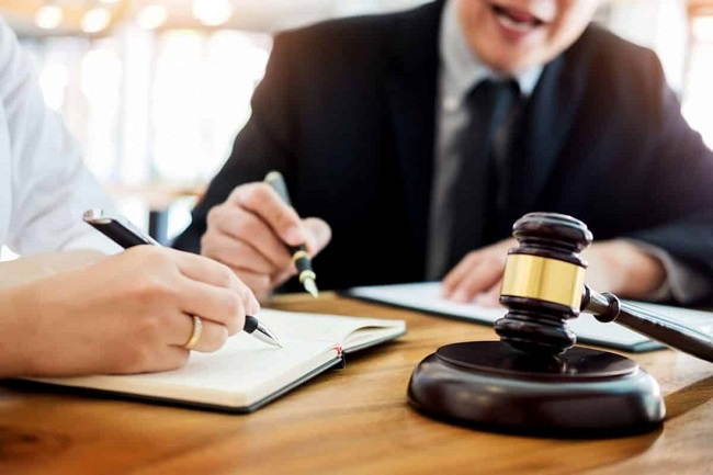 Thông tin cơ bản về ngành luật kinh tế