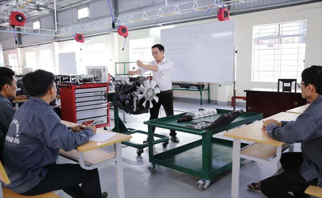 Học ngành công nghệ kỹ thuật ô tô trường đại học Đông Á