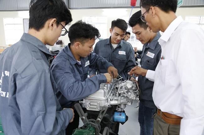 Cơ hội thực tập và làm việc của sinh viên ngành kỹ thuật ô tô tại Nhật Bản