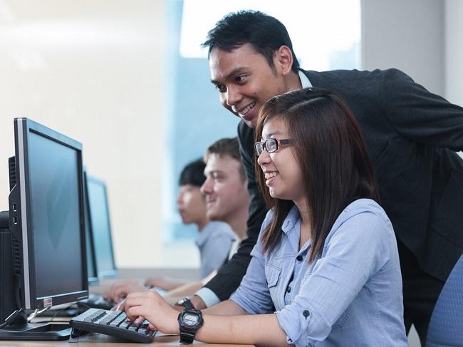 Có nên học ngành công nghệ thông tin không?
