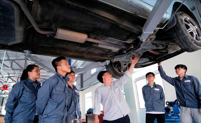 Công nghệ Kỹ thuật ô tô học trường nào dễ xin việc nhất?