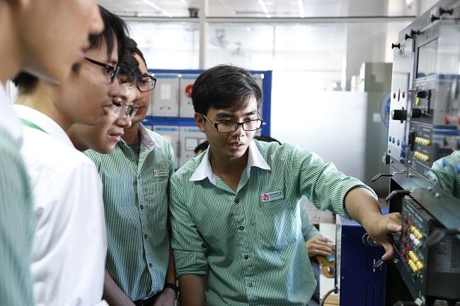 Học ngành điện điện tử có dễ xin việc không?