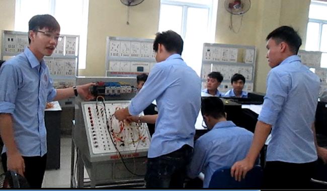 Học ngành điện điện tử có dễ xin việc