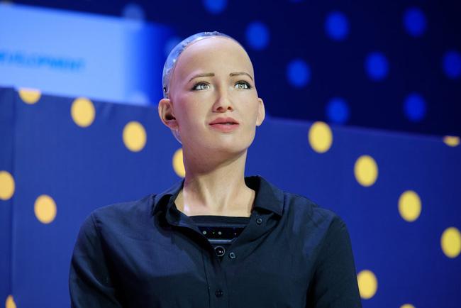 Nữ robot thông minh nhất thế giới Sophia