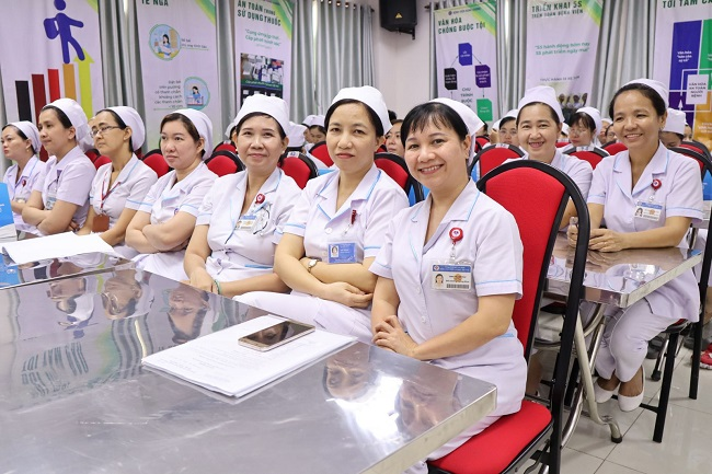 Điều dưỡng trưởng khoa là người có nhiệm vụ quan trọng trong các cơ sở y tế