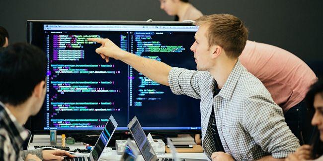 [Giải đáp] Muốn làm lập trình viên thì học ngành gì tốt nhất?