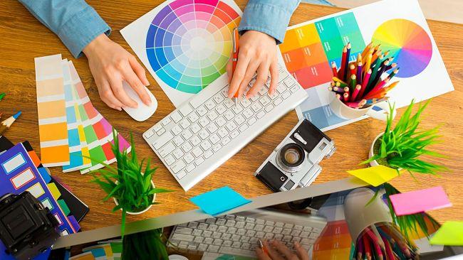 [Giải đáp thắc mắc] Học thiết kế đồ họa có cần vẽ đẹp không?