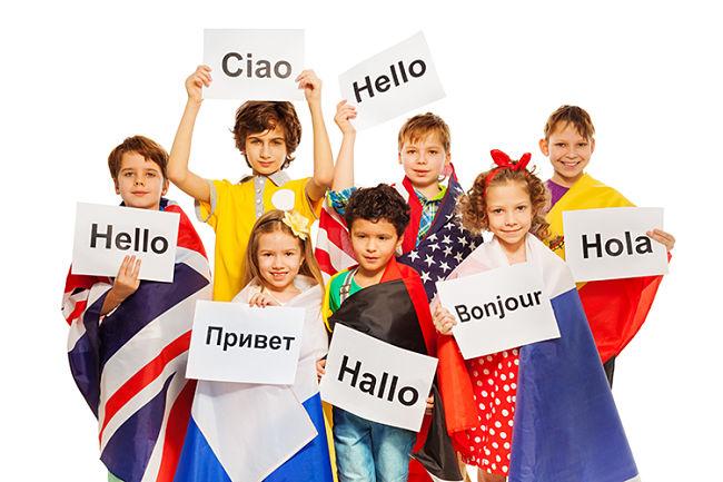 [Hỏi đáp] Không bằng cấp chỉ học ngoại ngữ có tương lai không?