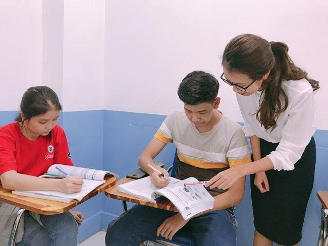 Làm trợ giảng tiếng Anh