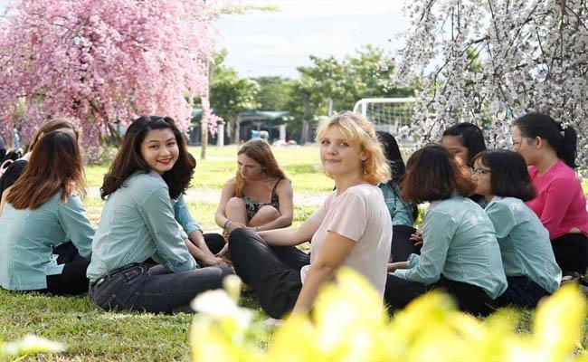 Những lợi thế khi sinh viên học ngôn ngữ Anh tại ĐH Đông Á