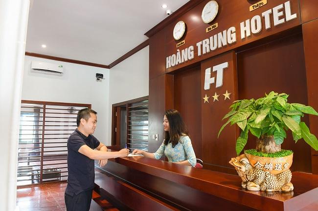 Giao tiếp tốt là một điều kiện cần có của một lễ tân khách sạn