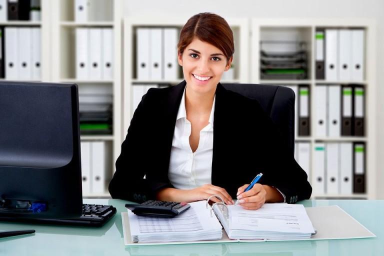 Đạo đức nghề nghiệp kế toán là phải thẳng thắn, trung thực trong tất cả những mối quan hệ chuyên môn của mình