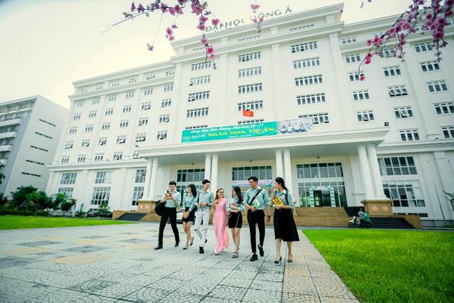 Học ngành ngoại ngữ ở trường ĐH Đông Á