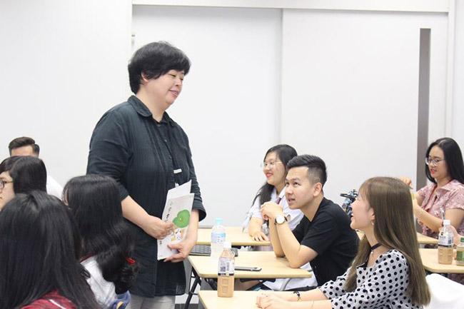 Học tiếng Nhật thương mại ra làm gì