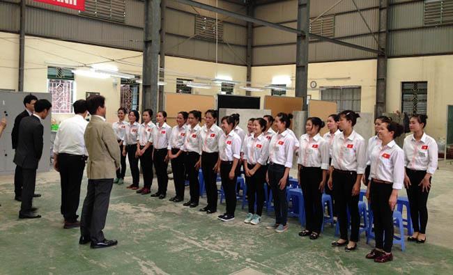 Nhân viên tại công ty XKLĐ Nhật