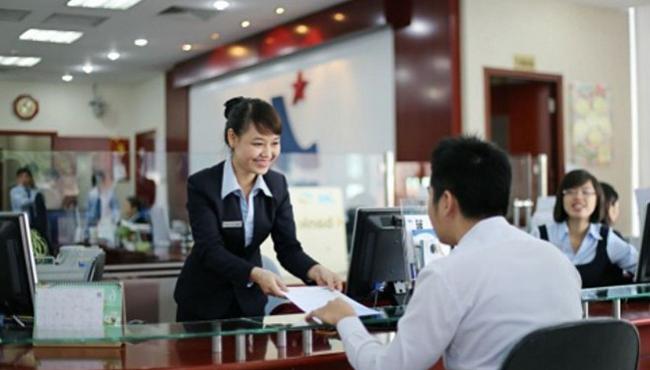 Học luật tài chính ra trường làm nhân viên tín dụng tại các ngân hàng