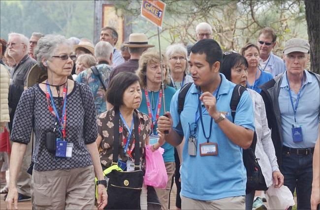 Nghề hướng dẫn viên du lịch và sự lựa chọn tuyệt vời cho những bạn trẻ đam mê du lịch