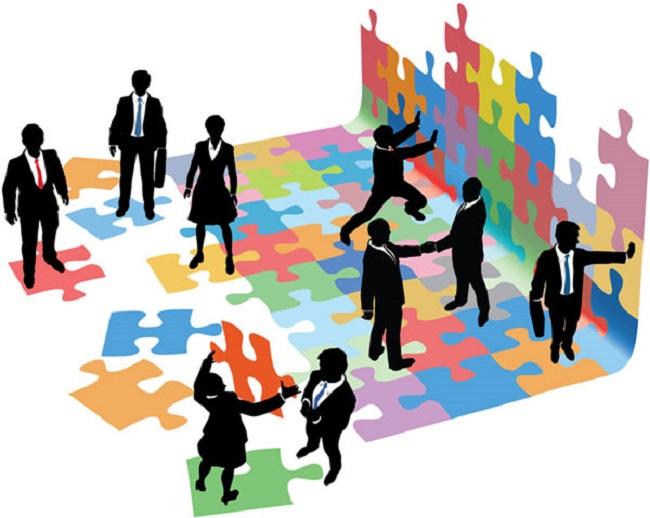 Bước kiểm tra và đánh giá sẽ giúp doanh nghiệp tránh được những rủi ro về mặt định lượng giữa kế hoạch và thực hiện.