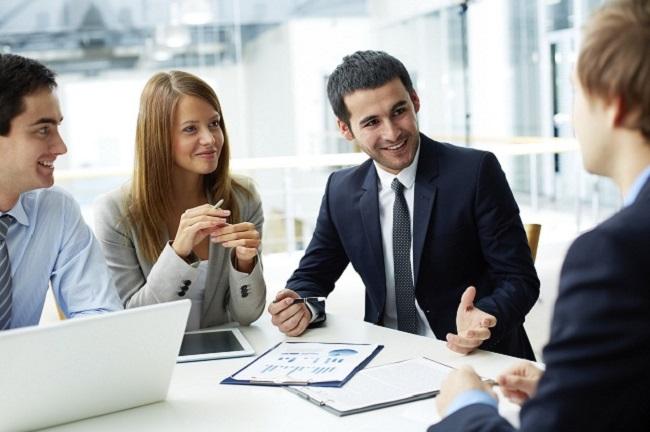 Ngành quản trị kinh doanh và kinh doanh quốc tế có điểm gì khác nhau?