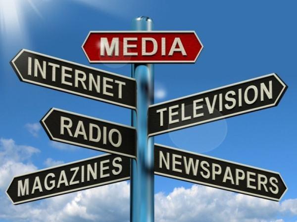 Truyền thông đại chúng và truyền thông đa phương tiện có gì khác biệt?