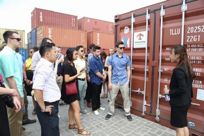 Sinh viên học ngành Logistics được trang bị những gì?
